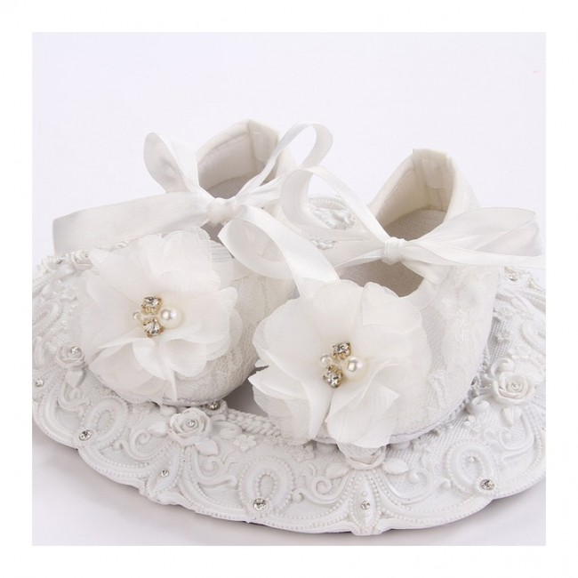 3520ccc484a2 AkinosKIDS Beautiful White Baby Girl Crib Shoes. Zoom
